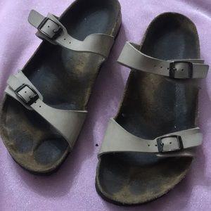 Birki's slipper by Birkenstock's size 39